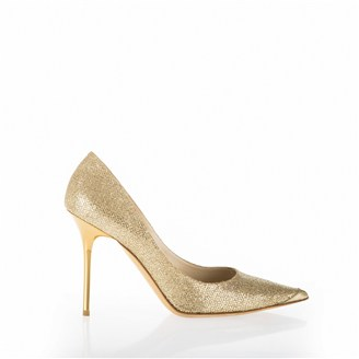 gold-glittery-pointy-pumps