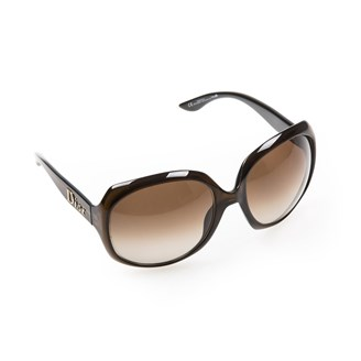brown-oversized-sunglasses