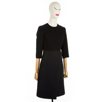 black-long-sleeve-dress-with-open-back