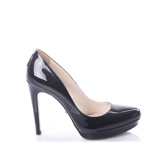 black-patent-pumps
